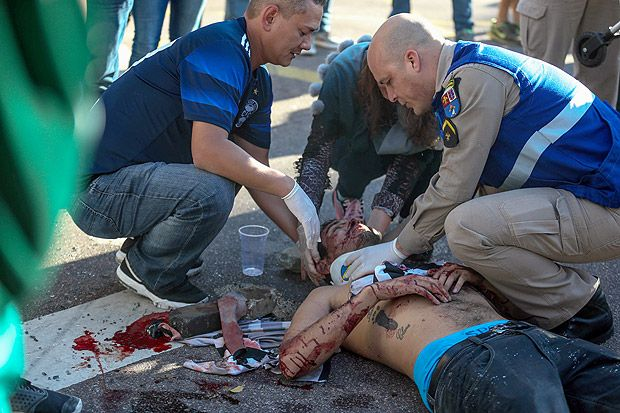 Animais na rua: Briga entre torcedores de Corinthians e Coritiba deixa seis feridos http://ift.tt/2rKuBDJ