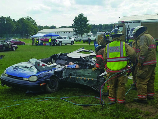 LOCAL TOWING COMPANIES TEAM UP FOR LARGE-SCALE FIRST RESPONDER TRAINING