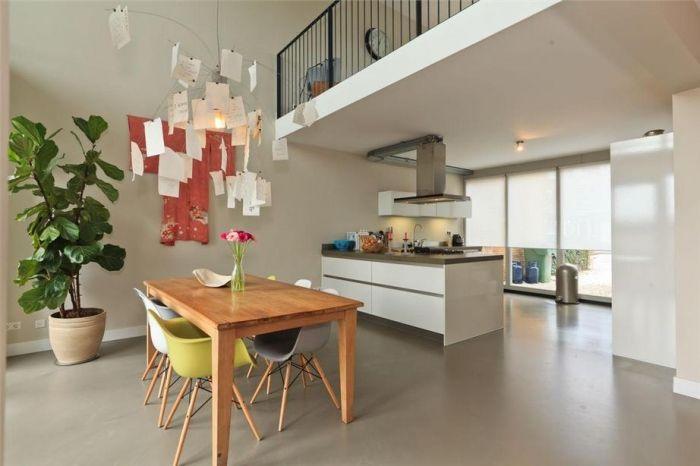 Bruine MIX gietvloer in woning Amersfoort - Woningen - Projecten - Motion gietvloeren