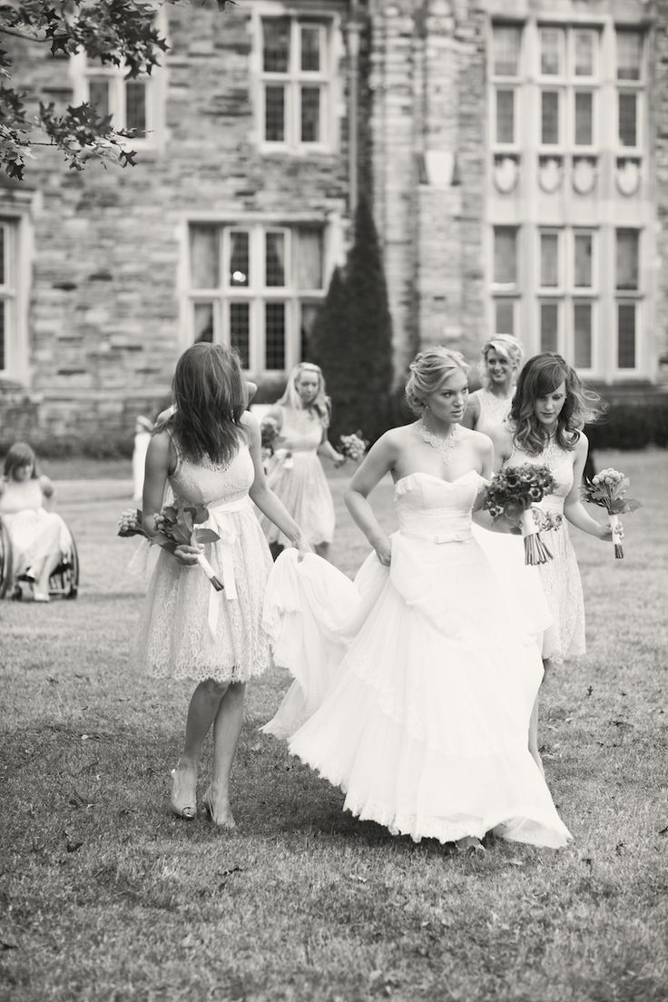 cute photoVintage Wedding Photography, Photos Ideas, White Photography, Bridesmaid Dresses, Black And White, Black White, Cute Photos, White Photos, Wedding'S Photos