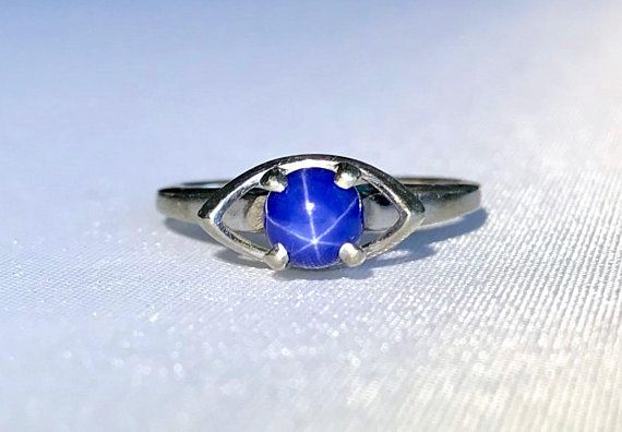 10k White Gold Eye Shaped Vintage Blue Star Sapphire Ring Blue Star Sapphire Ring Star Sapphire Ring Blue Star Sapphire