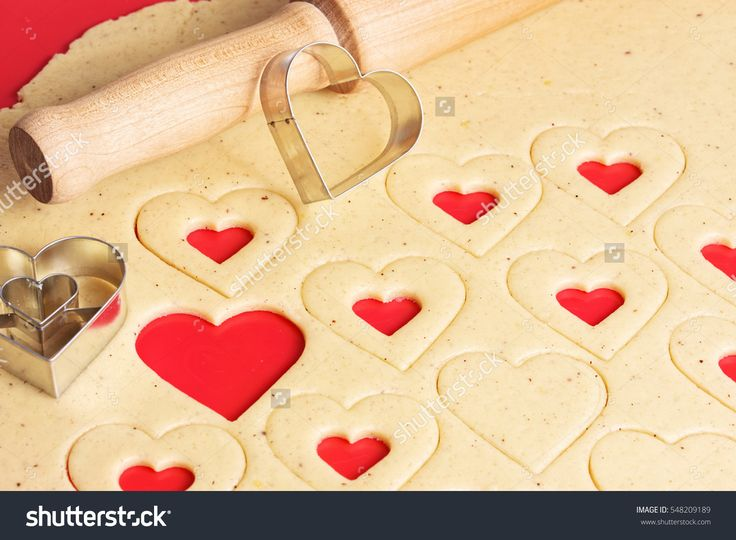 Valentines day Cookies. Cooking homemade cookies. Valentines day images. Stock photography, images, pictures, Illustrations.  Valentines Day Images Download. Valentine photography for lovers. Valentine pictures romantic. Photo for valentines day. Happy valentines day. Valentine wishes for girlfriend
