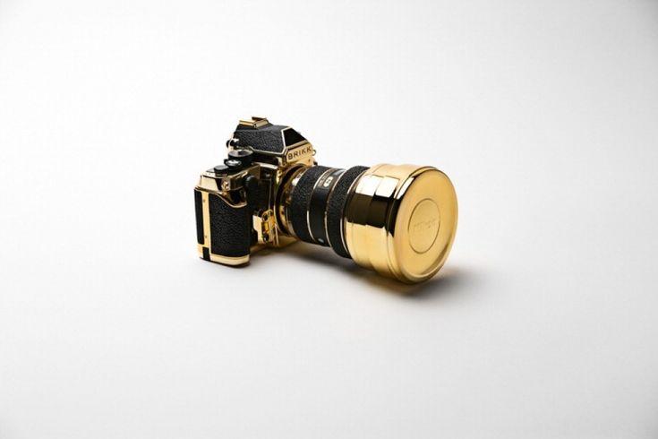 """La Brikk, un megastore celebre per le 'personalizzazion' di gadget elettronici, ha diffuso le immagini della """"sua"""" Nikon Df placcata d'oro. L'ultima arrivata nel lussuoso store è unica nel suo genere: tecnicamente non ha nulla in più rispetto alle sorelle 'in borghese', la mi"""