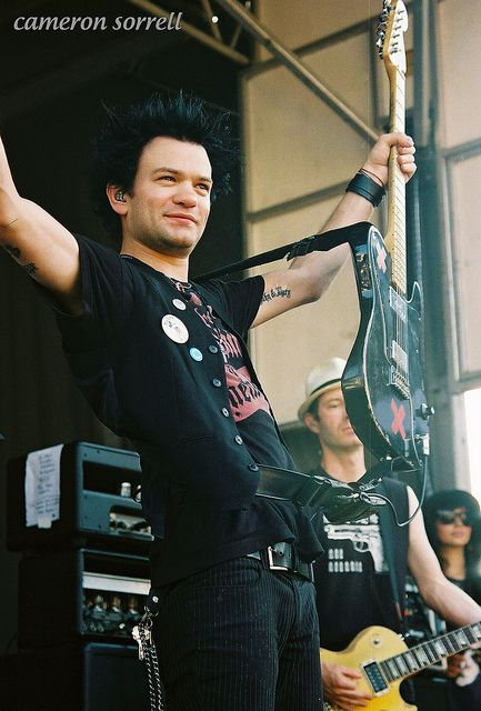 Sum 41, Warped Tour 2010 (by camcorporate, via Flickr)
