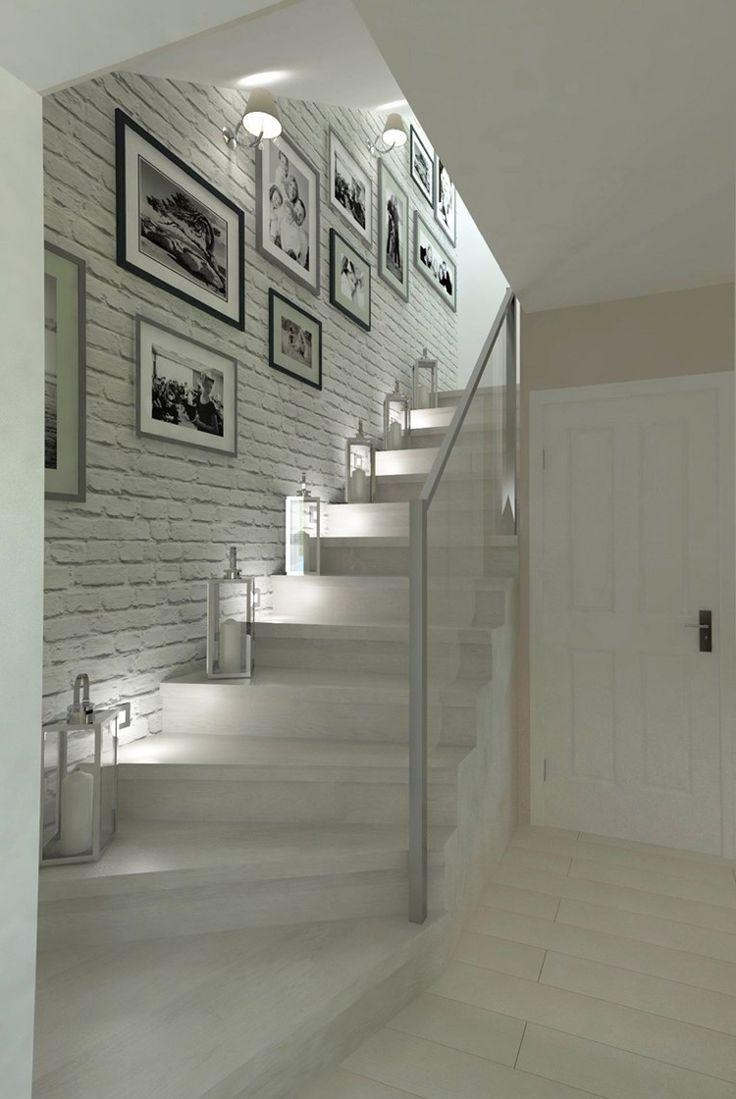 viertelgewendelte Treppe skandinavisch weiß Bildergalerie Kerzenlaternen #interiors #staircase