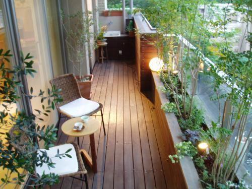 ベランダガーデン 秋の植え替え - 早蕨さわらび  庭と緑の空間