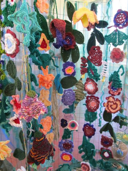 17 Best images about Crocheted Curtains on Pinterest | Filet ...