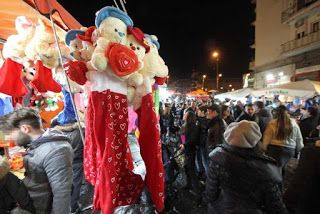 Turismo esperienziale a Napoli: Visita notturna a Piazza Mercato