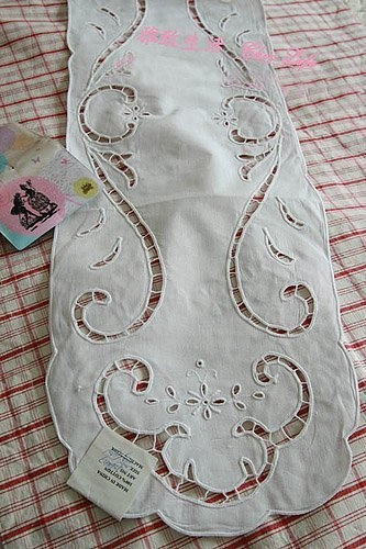 Chic Hand Embroidery 3pc Table Runner Set by Victoria's Deco, http://www.amazon.com/dp/B0029YKP78/ref=cm_sw_r_pi_dp_qv5Mpb1YP93RG