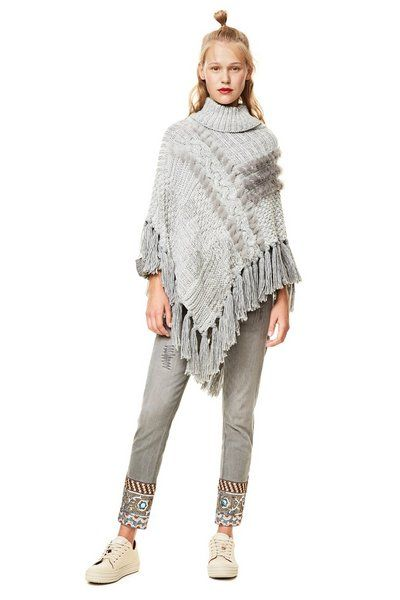 Poncho Ecru Explosion Desigual. Discover the fall-winter 2017 collection. Free shipping and returns in-store!