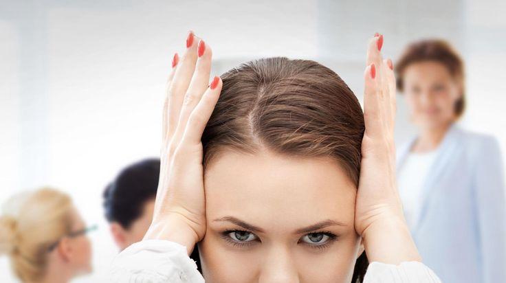 Miksi riitelemme töissä? Asiantuntija neuvoo, mitä tehdä, kun työkaveri ärsyttää tai esimies ottaa aivoon | Työilmapiiri | HS