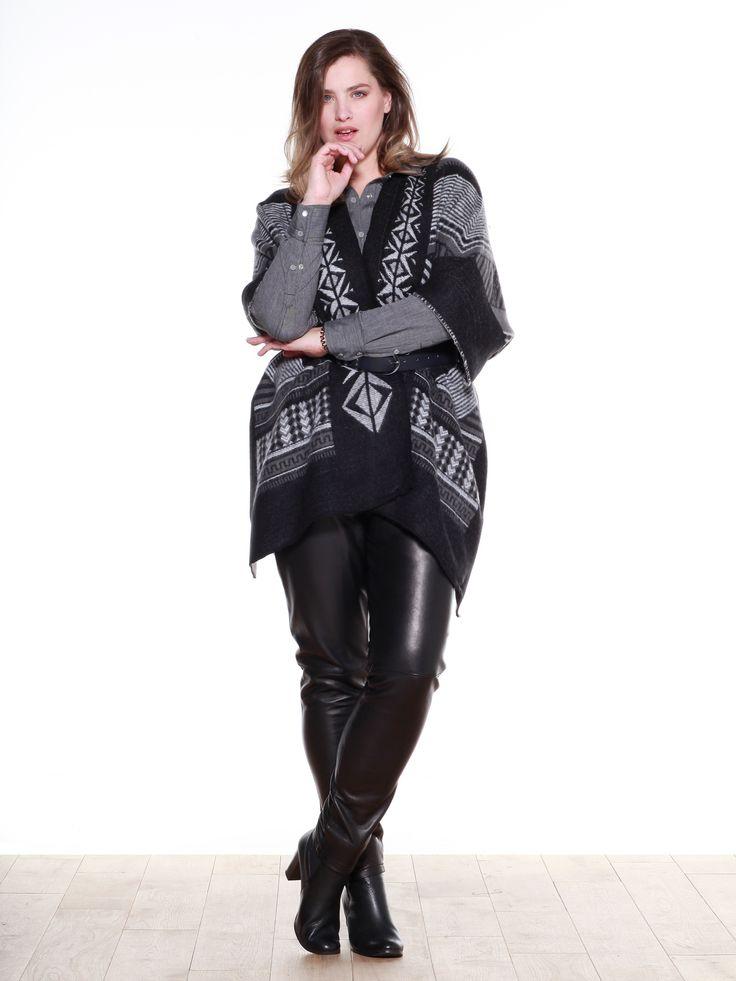 Look hiver. Poncho jacquard amérindien, chemise bi-matière, slim en cuir, boots à hauts talons en cuir. Collection automne/hiver 2015 Balsamik.