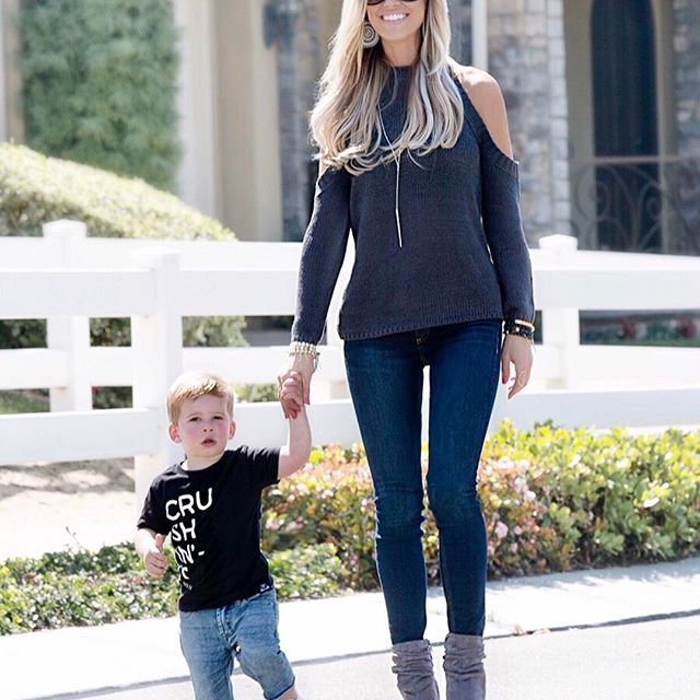 Love strolling with my main man  #HeMakesMeLookGood  Download @liketoknow.it and 'like' this photo or take a screenshot to shop our looks, link in bio 💙 http://liketk.it/2qZGq  #liketkit