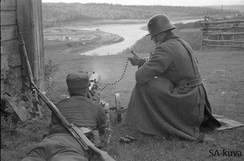 Finnish machine-gun crew near of Syväri 1941