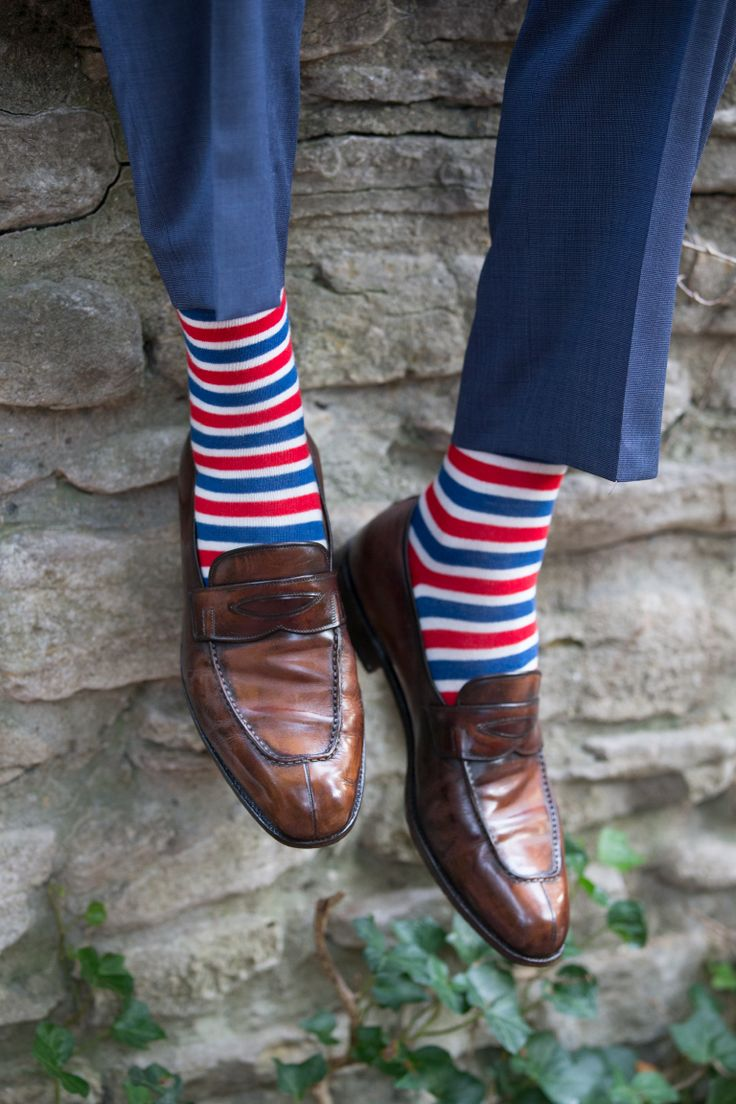 Southern Scholar is here to show you how you can wear a bit of color and still maintain a professional and elegant look. Our red, white, and blue Lady Liberty socks go great with a blue slack and some brown loafers. Try them with a white oxford and matching blue jacket to really show your style.