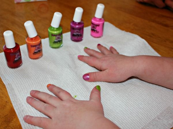 Piggy Paint Nail Polish For Kids It S As Natural Mud Giveaway Clever Hair And Beauty Tips Pinterest Nails