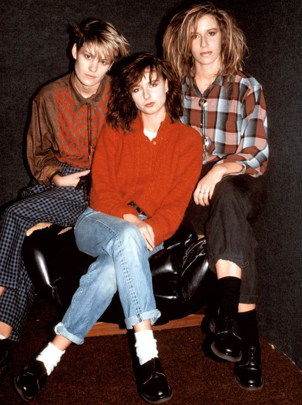 Keren-is-famed-for-her-band-Bananarama-with-Sara-Dallin-and-Siobhan-Fahey-322706.jpg (590×792)