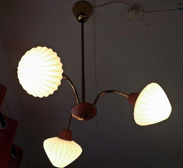 """Taklampa inköpt """"Mellbyvallen auktion"""" för 160kr"""
