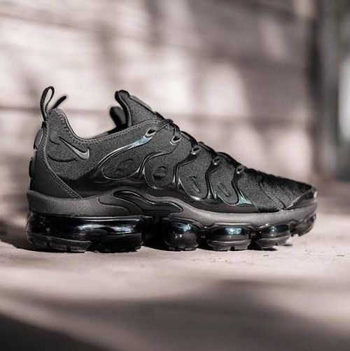 hot sale online f8428 19da8 Nike Air VaporMax Plus | BLACK ekkor: 2019