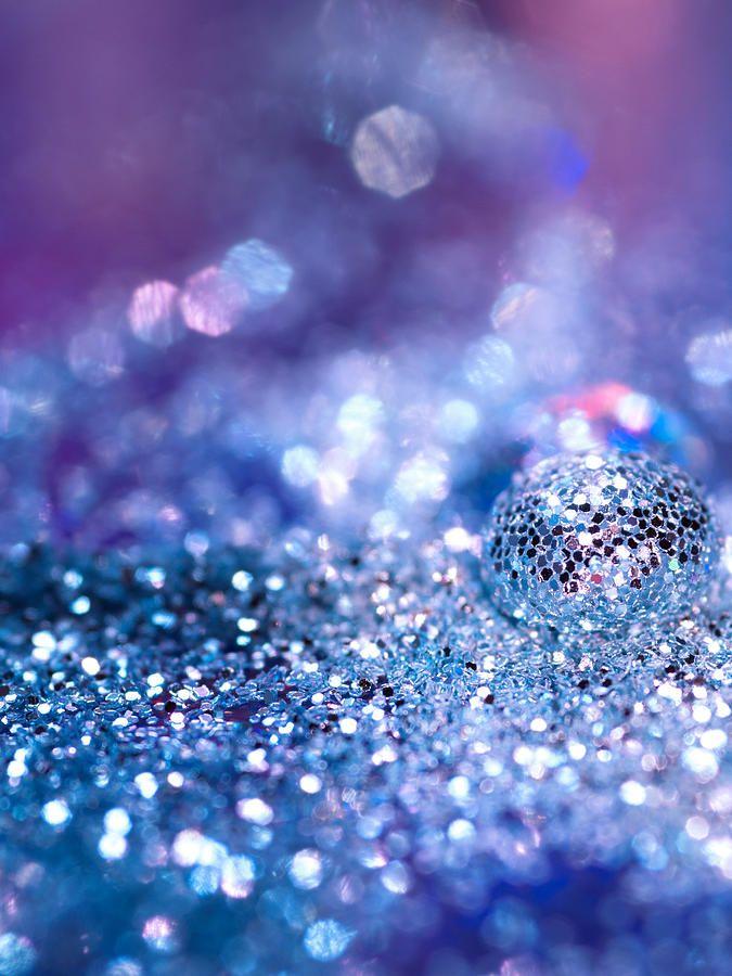 Glitter Glow Liquid Eye Shadow: Glitter And Glow