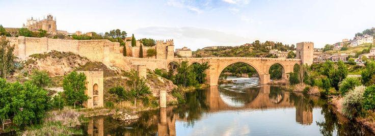 Puente medieval de San Martín en Toledo, hoteles de lujo en España