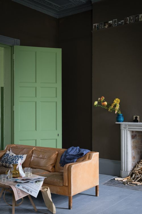 NEW FARROW & BALL COLOR A two-part name, combining Salon, the small outer room off a drawing room, with Drab, a term favored by true colorist, which simply describes a color as lacking in brightness. The richness of this color is instantly appealing and equally at home when used to evoke a classic 19th-century feel and the perfect go-to 'chocolate' for a modern look. This warm drab works as a dark accompaniment to both Yellow and Red Based Neutrals.