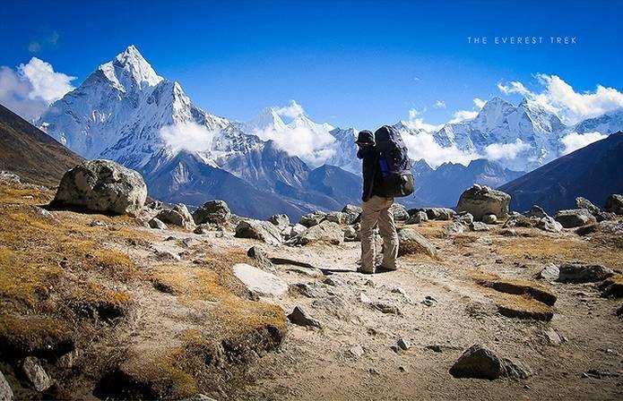 【F】エベレスト。草と岩の環境からエベレストの過酷さが感じられる。