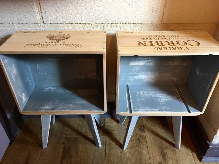 Ensemble de 2 tables de chevet en caisse de vin pieds compas. Fait main : Meubles et rangements par la-tulipe-creative