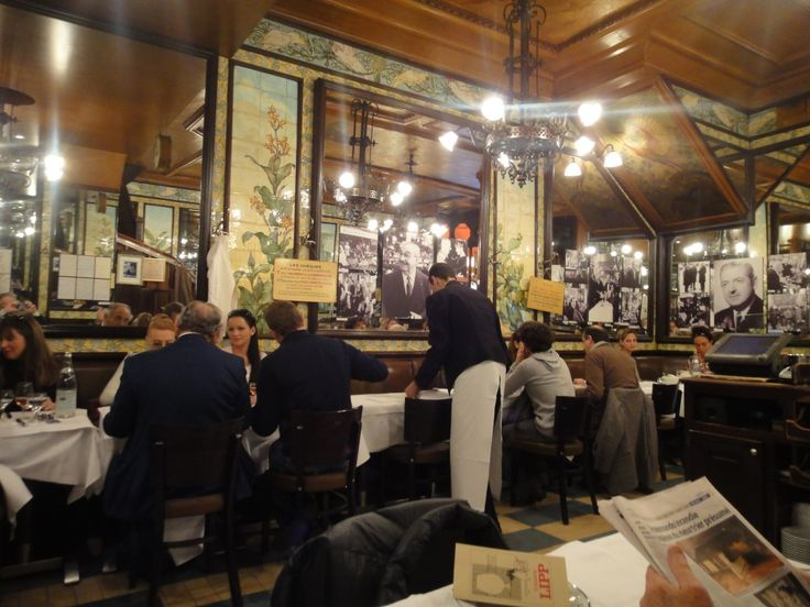 Brasserie Lipp/ 151 Boulevard Saint Germain/ 6th arrondissement/ Paris/ old school and snooty