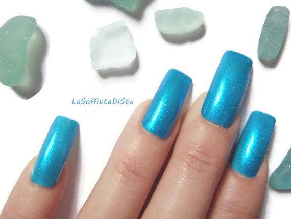 bleu métallique turquoise faux ongles ongle acrylique art paillettes métalliques mer artificielle sirène tendance carré lasoffittadiste