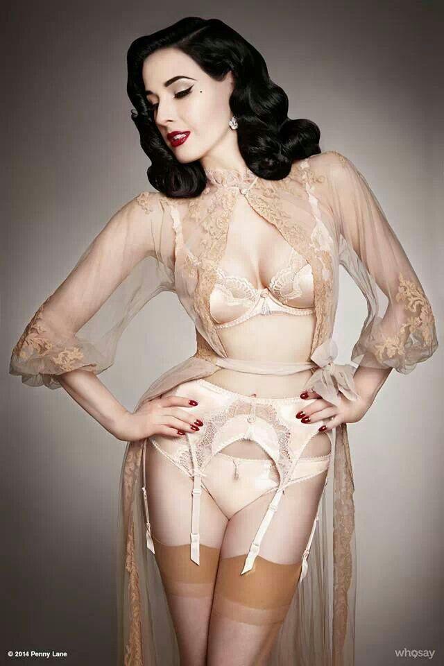 Dita von teese coleção de lingerie vintage, rendas, transparências, retrô, pin-up.