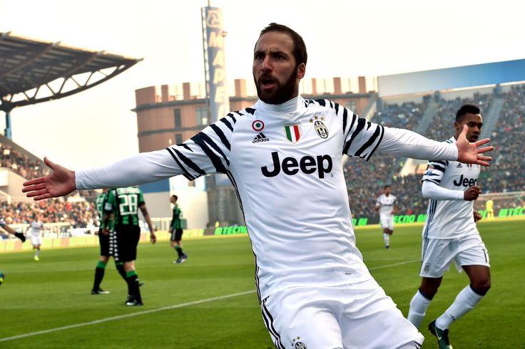 Aggiornamento Diretta Sassuolo-Juventus. Implacabile la Juventus nella prima mezzora di gioco. Al 9' Higuain portava in vantaggio i bianconeri con un perfe