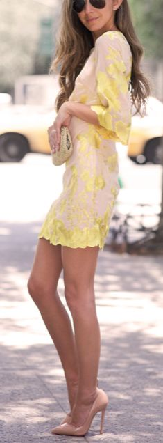 Party perfect. Yellow dress and nude heels. Summer or spring!