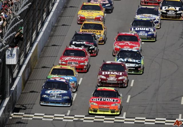 jeff-gordon-kurt-busch-2009-3-29-15-1-26.jpg (640×444)