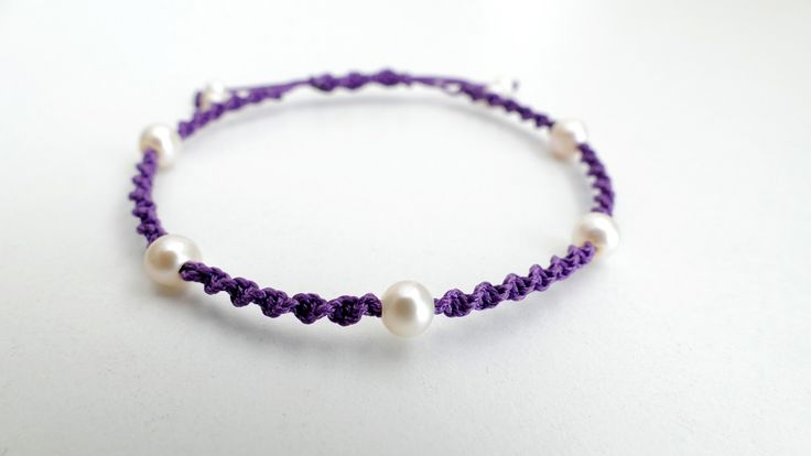 Purple macrame bracelet with Pearls -Price:23€