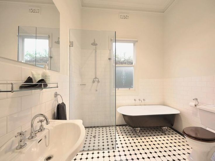 Country bathroom design with freestanding bath using ceramic - Bathroom Photo 180796