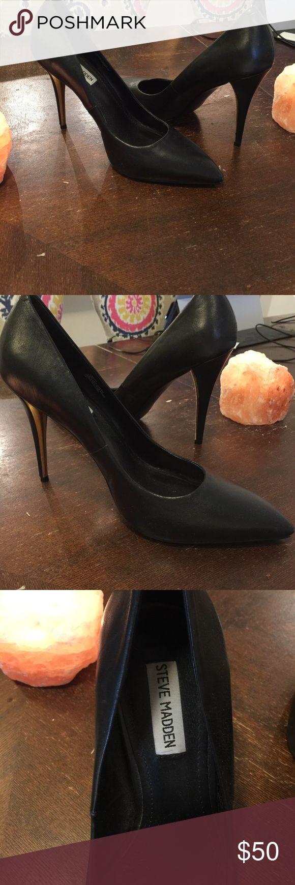 Steve Madden Black Heels with Gold Heel Killer black heels with shiny gold inside heel. Never worn! Fits somewhere between a 9.5-10. Steve Madden Shoes Heels