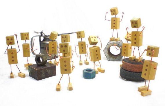 Robot ouderwets uit hout en draad - uiterst veelzijdige mechanische Man  Ouderwets uit hout en koper is dit weinig bot de meest veelzijdige mechanische man die je ooit hebt gezien. Je robot zal inspireren uw huis. Uw robot voltooit die zeurende leegte op uw bureau. Het zal houden uw reserve batterijen, potloden, visitekaartje, en iets anders die u pasvorm ziet.  Deze aanbieding is voor één bot gemaakt van populieren hout afgewerkt met lijnolie. Elke bot is uniek dus uw van zal er iets anders…