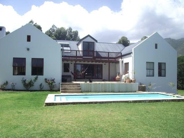 Gordons Bay Property   Price: R 3,500,000   Ref: 3167415