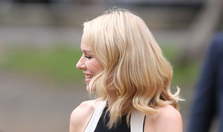 Bild © Eva Rinaldi - Die Pflege von #blonden #Haaren ist besonders wichtig, da Sie bereits geschädigt sind. Hilfreiche Pflegetipps findest du in der Beauty Lounge unter http://beautysnob.net/blonde-haare/ #blond #blondine #haarpflege #hair #haircare #beautyblog #germanblog #blogging #newblogpost #beautytips