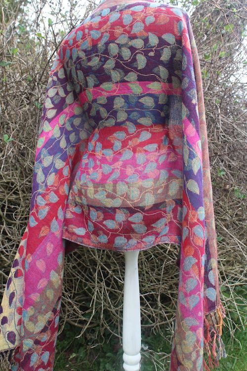 RANKA, shawl, sjal, ullsjal, jaquard, leaves, blad, löv, vändbar, reversable