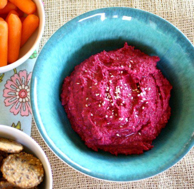 Hummus z pečené červené řepy