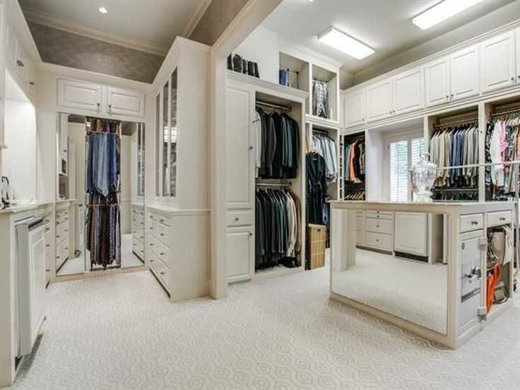 Mirror Inlay Master Closet