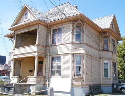 . enoch sales residence | Beltline.ca