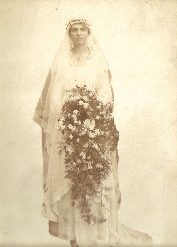 Isla Bisset at her wedding to Jervis Molteno, Cape Town, 1916