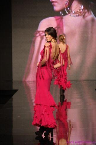 Traje de flamenca de la colección 2013 de Lina. www.lina1960.com