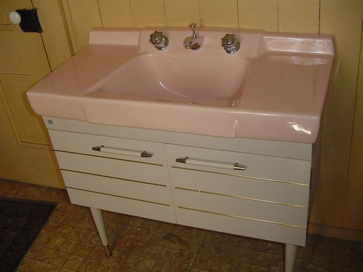 (SOLD) Original antique bathroom console, posted by Pam Kueber on RetroRenovation.com, sink sold by deabath.com.