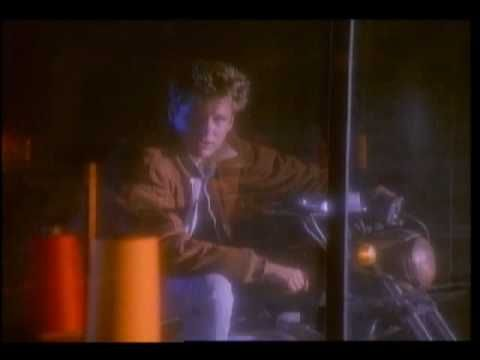 Corey Hart - I Am By Your Side Official Video...ero triste quei giorni(vincicap.)