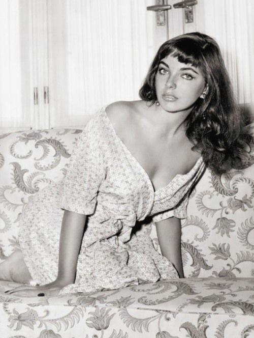 Joan Collins, 1950s  - bangs