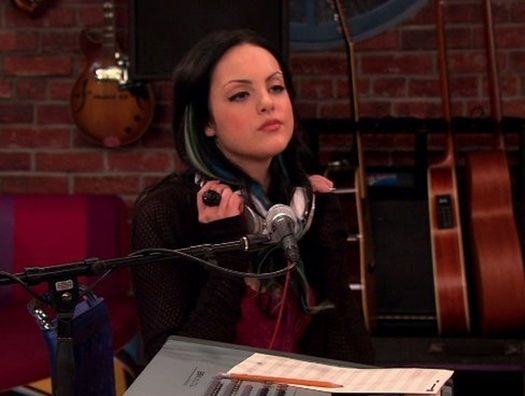 Liz Gillies turning back into her Victorious Character Jade